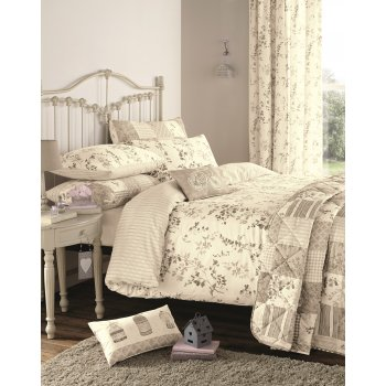 Dreams n drapes Lila natural vintage floral duvet set