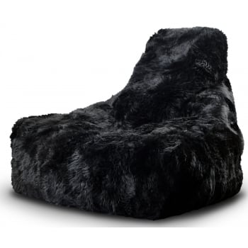 Extreme lounging Might by black fur beanbag