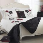 Dauphine red floral duvet set