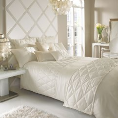 Livarna oyster embroidered duvet cover and 1pillowcas and 1cushion