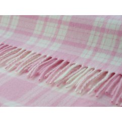 Menzies baby pink/white soft lambswool throw