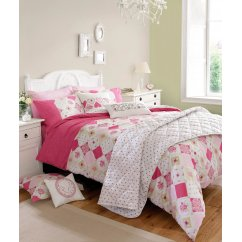 Lottie raspberry vinatge duvet cover and a pillwcases