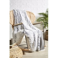 Yeti white faux fur throw, 200 x 220cm